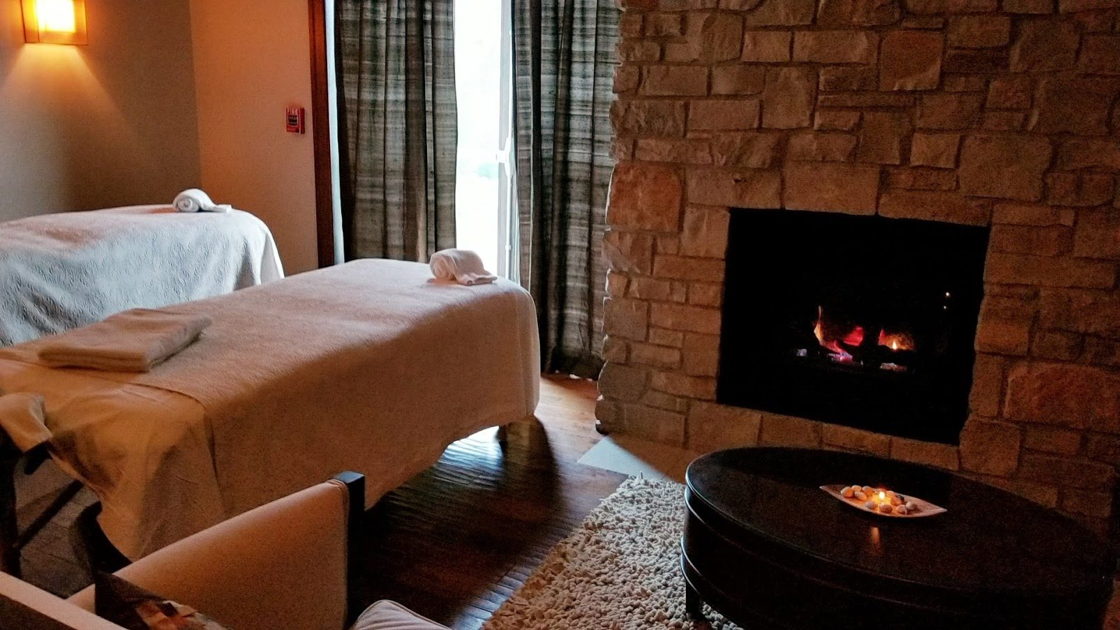 Rooms with Fireplace at Osthoff Resort