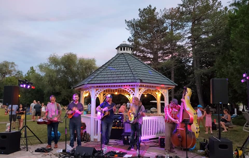 The Honeygoats Performing at Osthoff Resort