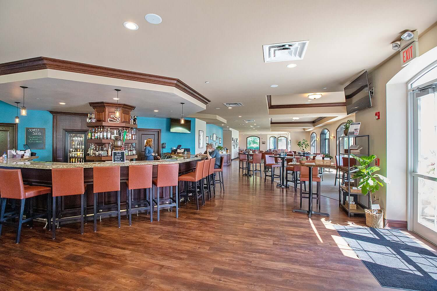 Concourse Restaurant and Lounge at Osthoff Resort